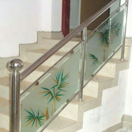Stainless Steel And Grass Designer Stainless Steel Glass Railing Rs