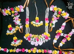 Artificial flowers jewellery set