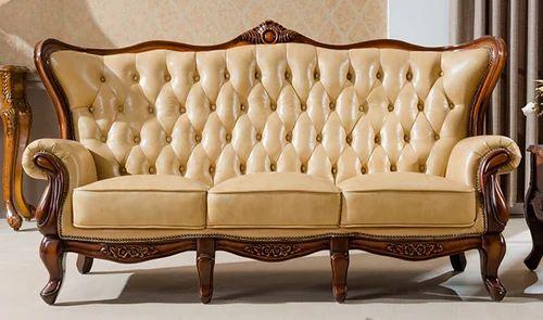 Attirant Wooden Covered Sofa Set