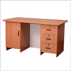 Office Table In Wooden, Warranty: 1 Year