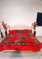 Double Bed Gold Red Gullivar Blankets