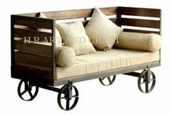 用于咖啡馆/酒店/酒吧和餐厅家具的老式工业沙发