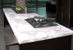 White Quartz Kitchen Top, 2-4 Cm