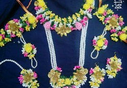 Artificial Flowers Jewellery Set for Haladi