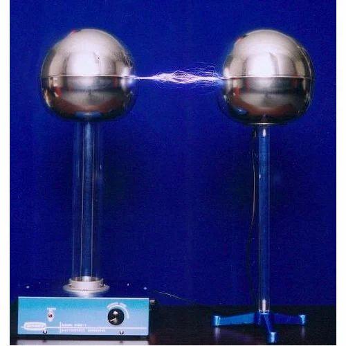 Van De Graaff Generator  220 60 Hz  Rs 5000