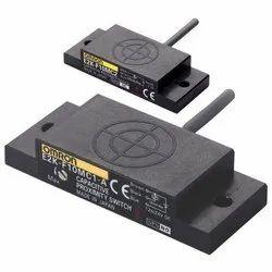 Omron E2K-F10MC1 Proximity Sensor