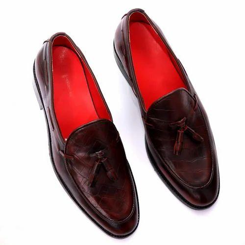 2246df745 Hush Berry Designer Men  s Perforated Tasseled Moccassins Pinch Grand  Tassel Penny Loafer