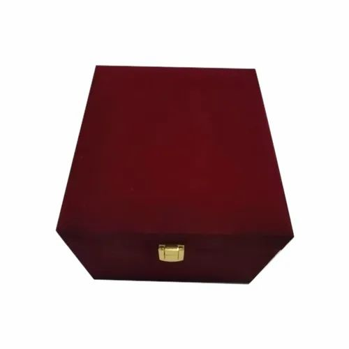 Plain Gift Maroon Velvet Jewellery Box, for Gift,Wedding & Packaging, Size: 16x10x5 Inch