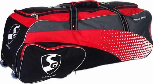 6da2932c7821 Sg Teampak (wheelie) Cricket Kit Bag