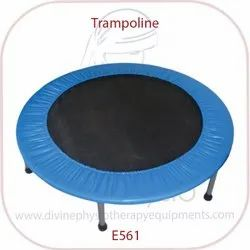 Trampoline With Support Handel