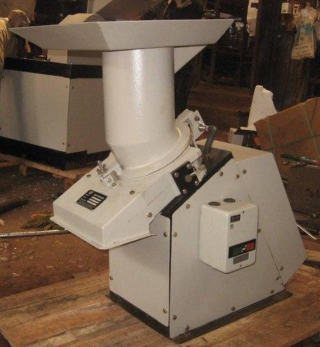 Amey Engineers Pharmaceutical Glass Vials and Ampoules Crusher Machine, NS