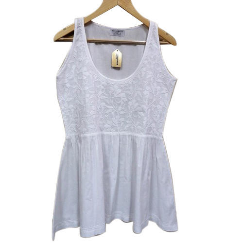fe3c59f335b77 White Sleeveless Cotton Top