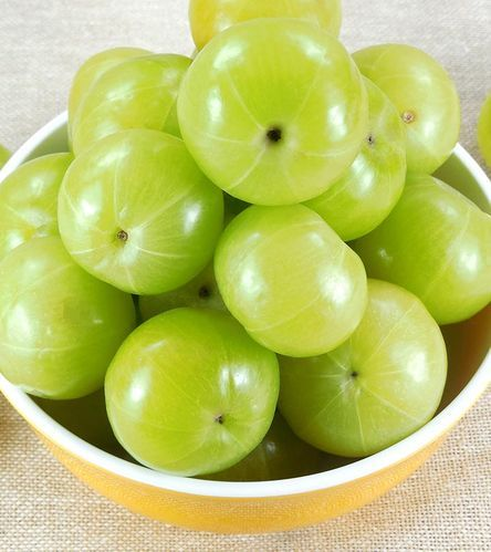 Organic Raw Amla (Indian Gooseberry), Packaging: Carton, Pesticide Free (for Raw Products)