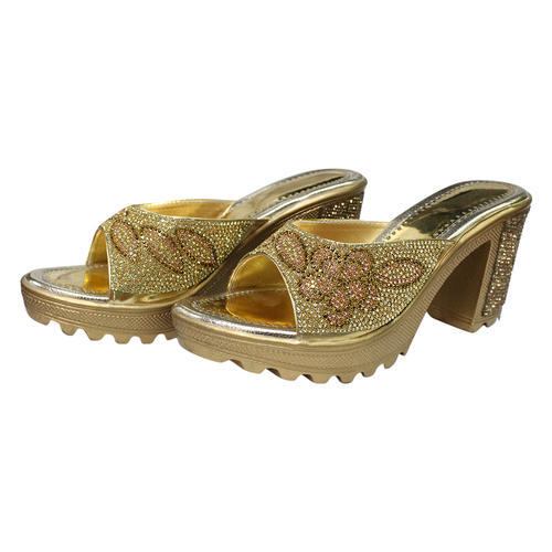 60777de9c3a885 Party Wear Sandles and Ladies Slippers Retail Showroom