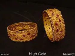 Paan Textured Round Style Thewa Bangles