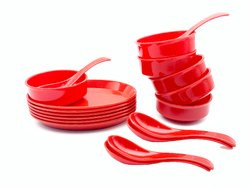 Utensza Plastic Soup Bowls Set of 18 Pcs, 6 Bowl, 6 Oval Plate and 6 Spoon, Round Shape (red)