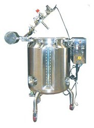 SS Manufacturing Tank with Stirrer