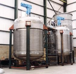 FRP And Stainless Steel Limpet Coil Reactor Vessel, Capacity: 500-1000 And 1000-10000L