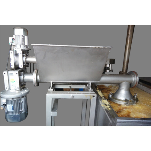 Namkeen Extruder Machine, Capacity: 400 Kg/hr
