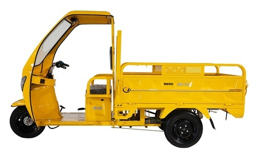 Stackers & Movers India M. Cargo Type E Rickshaw