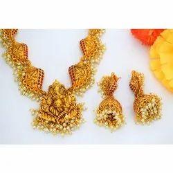 Golden Ladies Ganesh Idol Necklace Set