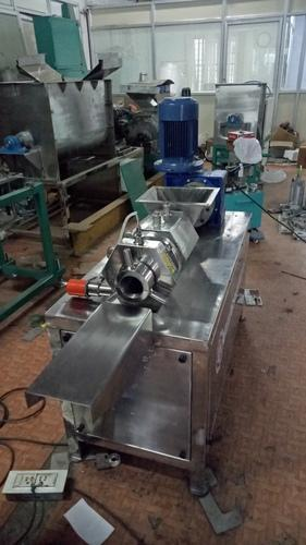 Pilot Plant Plodder Machine