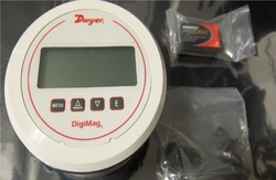 Dwyer USA DM-1109 DigiMag Digital Pressure Gage