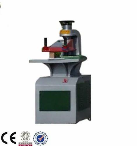 Sky W Cut Bag W Cut Non Woven Bags Machine, 100-120 (Pieces per hour), 380 Volt