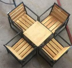 Roof Top Iron Table and Chair, Seating Capacity: 4