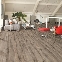 Reclaimed oak brown Laminate Flooring