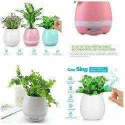 White Flower Pot Bluetooth Speaker
