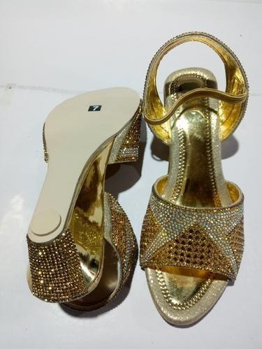 2633bf8ee43 Fancy Sandal In Dutch Heel