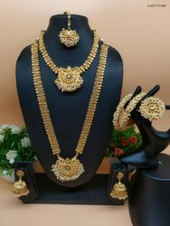 Golden Copper Alloy Temple Jewellery Full Set