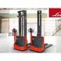 ML10 Electric Pallet Stacker