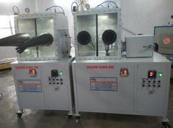 Lab Model Glove Box With Ante Chamber
