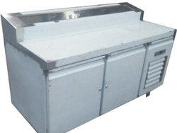 Stainless Steel Makeline Freezer, Capacity: 400 L
