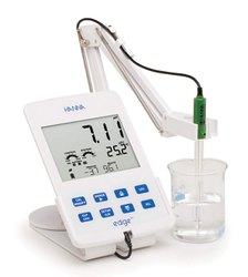 Hanna 0.01 PH Meter for Laboratory