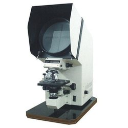 Polarising Projection Microscope