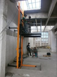 Spider Hydraulic Operated Goods Lift