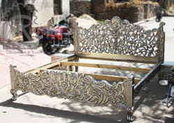 REGAL Carved Silver Bed, For Home, Size: 6 Feet X 6.5 Feets