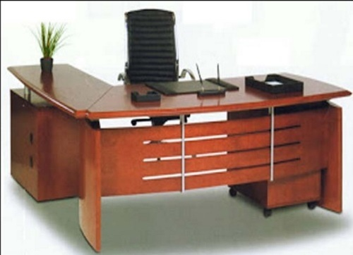 Executive Wooden Finish Office Furniture