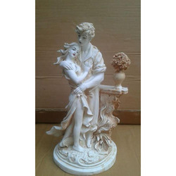 Polyester Resin Couple Statue, For Interior Decor