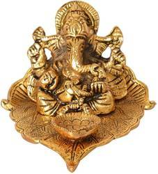 Gold Plated Pipal Ganesha with Deepam