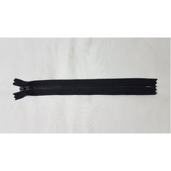 Clouser Plain Ykk Zipper, Size/Dimension: 18 Cm