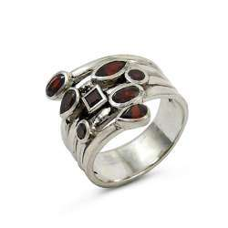 Glamorous Garnet Gemstone Silver Ring Handmaded