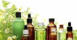 新鲜蒸馏的柠檬草油 - 纯香气