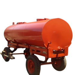 Tractor Water Tanker Rental Services, Capacity: 5000 L