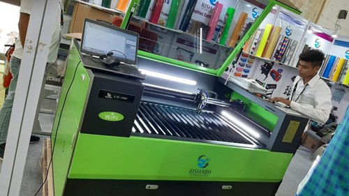 Covered Body CO2 Helmet Visor Laser Cutting Machine, Model Name/Number: Rts, Automation Grade: Semi-Automatic, Rs 305000 /set   ID: 22400300730
