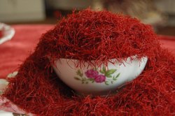Iranian Saffron, Packaging Type: Plastic Box
