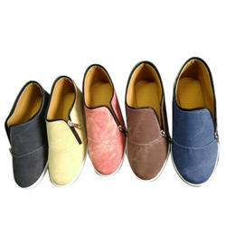 Casual Wear Brown , Black & Blue Stylish Canvas Shoes, Size: All Sizes Are Available